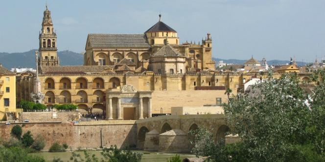 664xauto-status-gereja-mezquita-di-spanyol-digugat-150220p