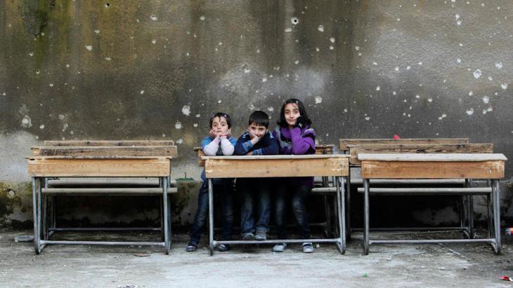 children-school-room-alepporeuters-muzaffar-salman